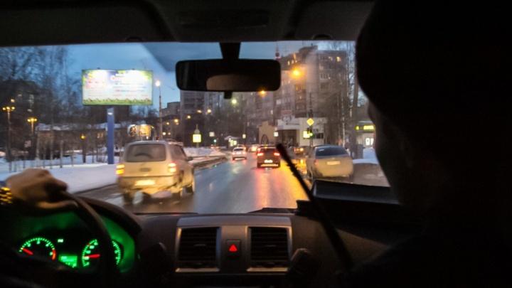 GTA по-северодвински: бесправный водитель «девятки» врезался в ограждение, уходя от погони