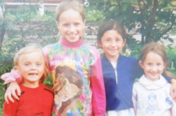 «С щёчками, пухленькая, недовольная»: взрослые тюменцы показали свои детские фото