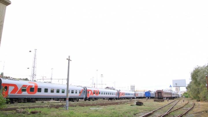 В Октябрьском районе мужчину насмерть сбил поезд