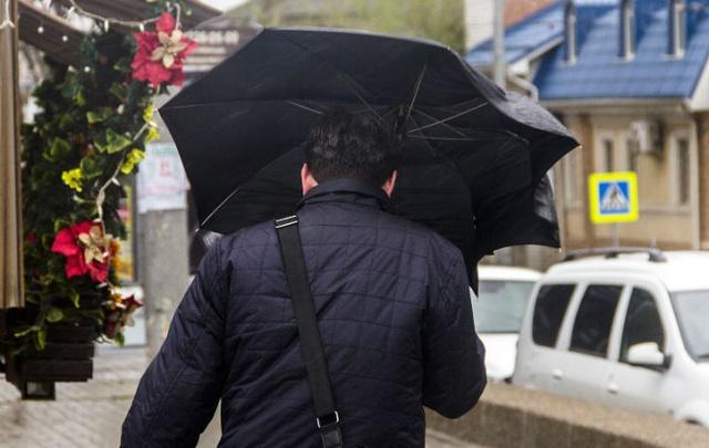 В Ростове сегодня сохранится дождливая погода