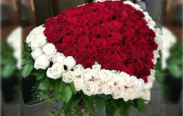Букет стоимостью в зарплату: тюменец на 14 февраля подарил возлюбленной розы за 35 тысяч рублей
