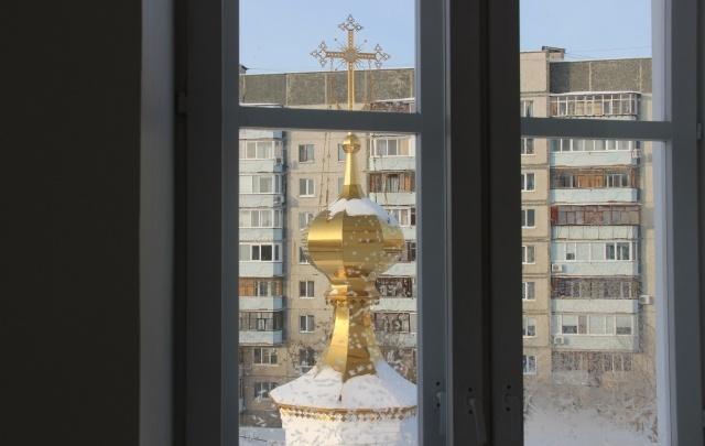 Тюменца, который украл из храма 27 тысяч рублей и нечаянно устроил пожар, осудили на 5 лет