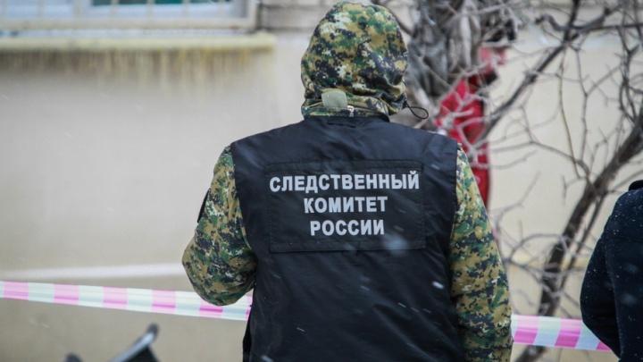 В Ростове мужчина сорвался с пятого этажа и погиб