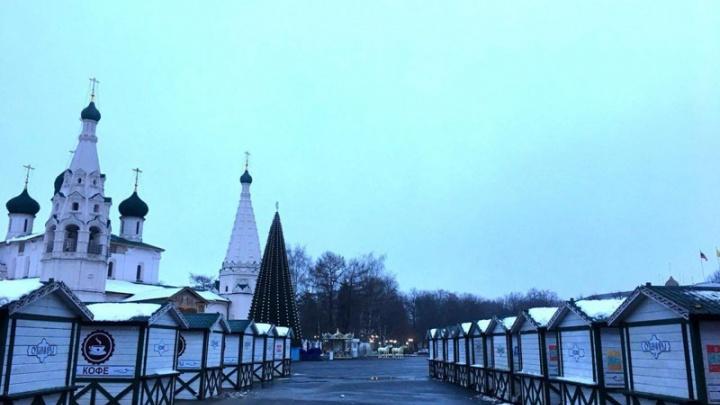 На Советской площади поставили домики-шале: чем будут торговать