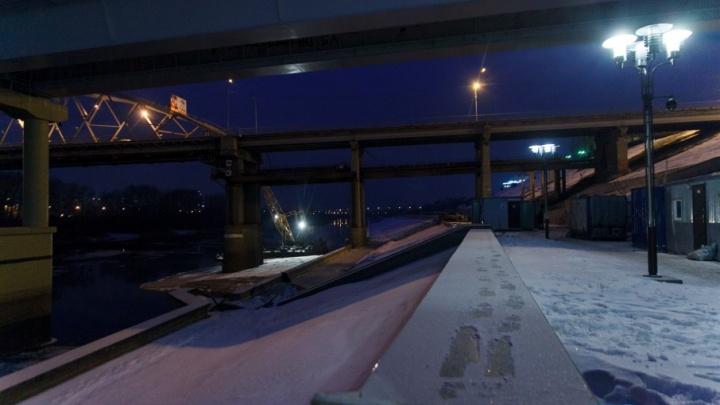 Под мостом Челюскинцев укрепят берег Туры, чтобы продолжить строительство набережной