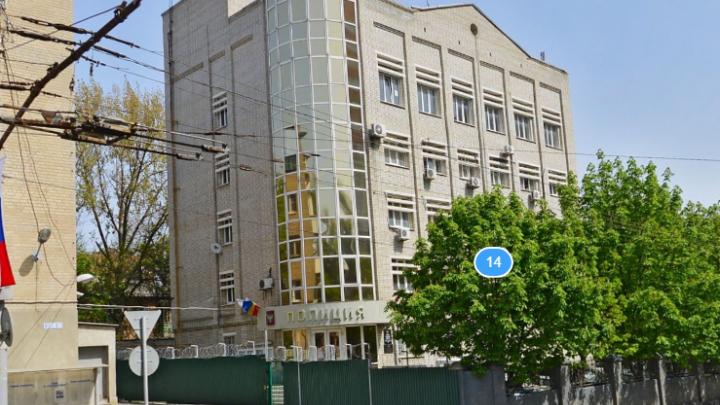 В Ростове мужчина выпал из окна четвертого этажа отдела полиции