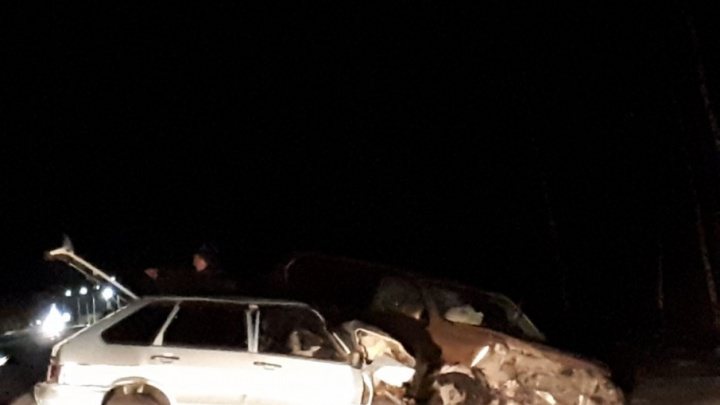 ДТП на трассе Тюмень — Ханты-Мансийск: водитель Toyota Land Cruiser выехал на встречную полосу и врезался в «Ладу»