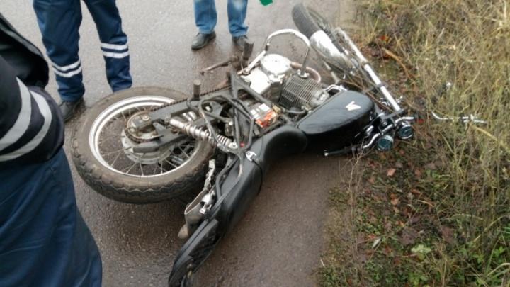 «Пятнашка» снесла мотоцикл: водитель легковушки скрылся с места ДТП