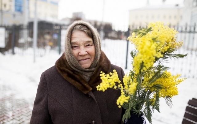 Женщины Ярославля: самый праздничный фоторепортаж с городских улиц