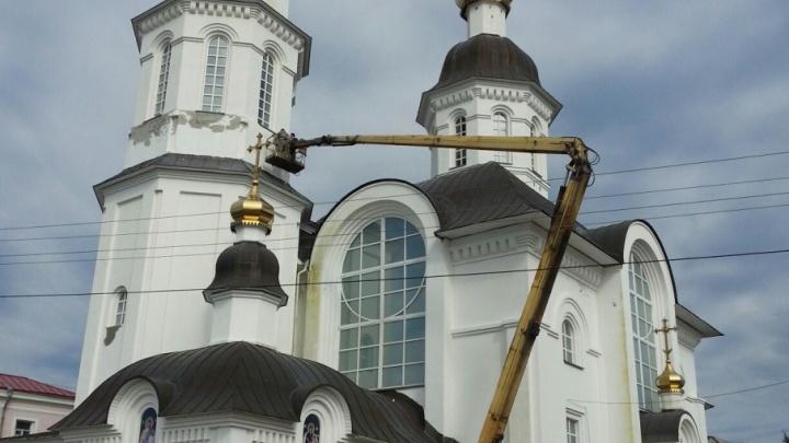 Успенский храм готовится к большому празднику косметическим ремонтом