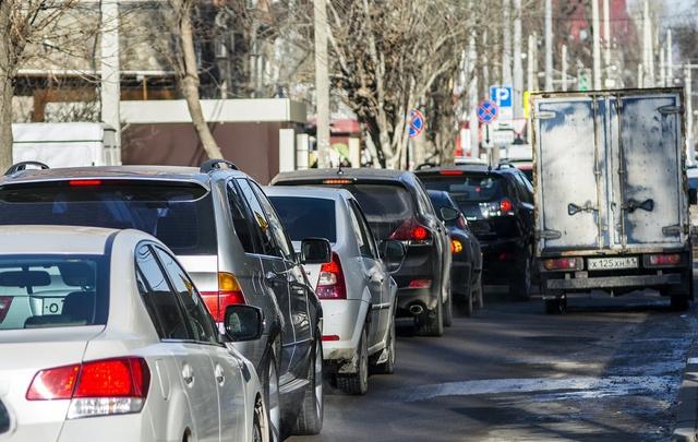 В Ростове в День Победы введут запрет на парковку на Социалистической