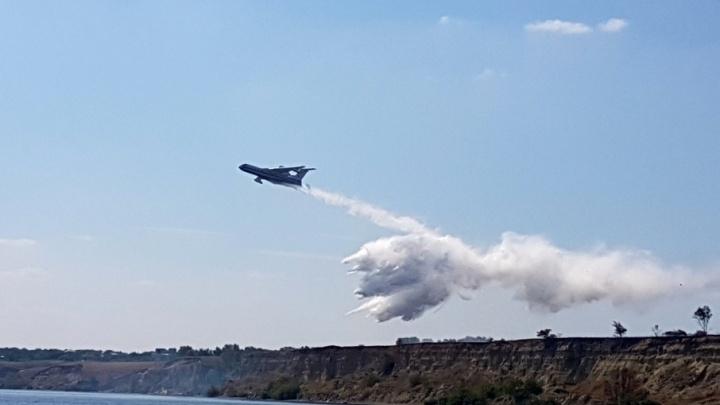 В трех районах Волгоградской области продолжают бушевать природные пожары