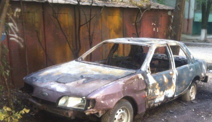 На Королева взорвался брошенный Ford