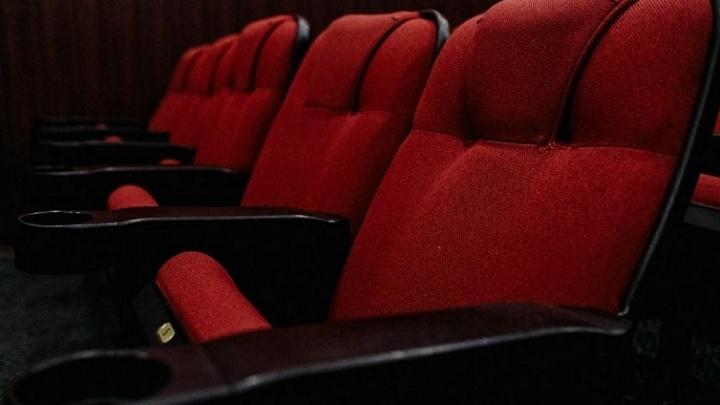 Иглы в креслах и шприцы в песочнице: развеиваем мифы о том, как можно заразиться ВИЧ