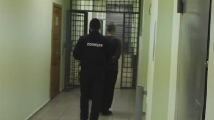 Экономия должна быть экономной: тюменский разбойник забрал 140 тысяч и хотел уехать на автобусе