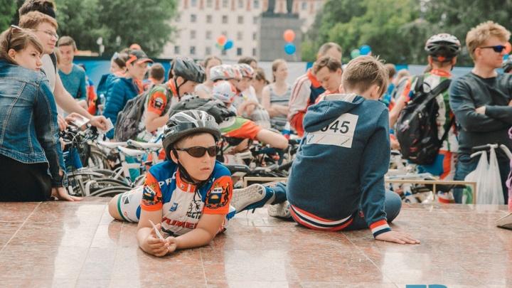 Как прошёл день России в Тюмени: фоторепортаж с велофестиваля и выставки военной техники