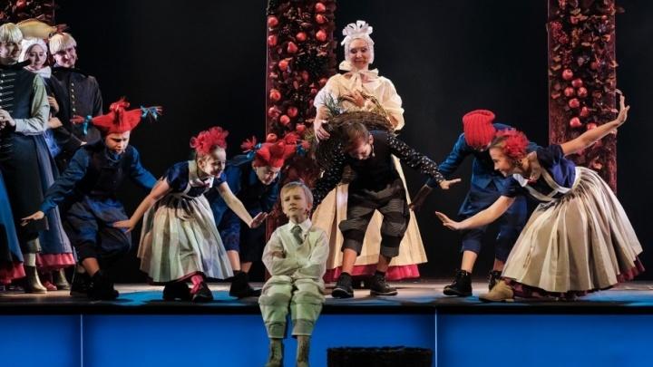 История взросления языком музыки и актерского искусства. Колонка о спектакле «Карлик Нос» Театра-Театра