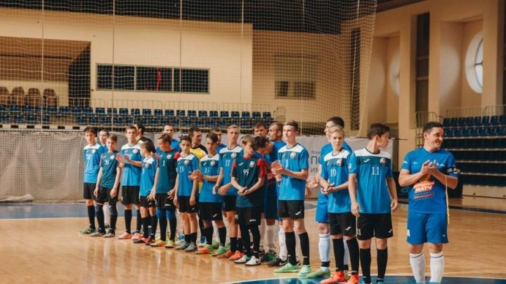 Как стать крутым игроком: юных тюменцев приглашают заниматься в футбольный клуб