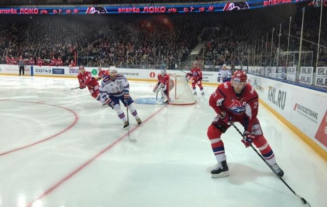 «Локомотив» уступил в третьем матче финала Запада против СКА