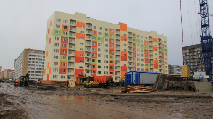 Социальные дома на Московском проспекте обрастают судами