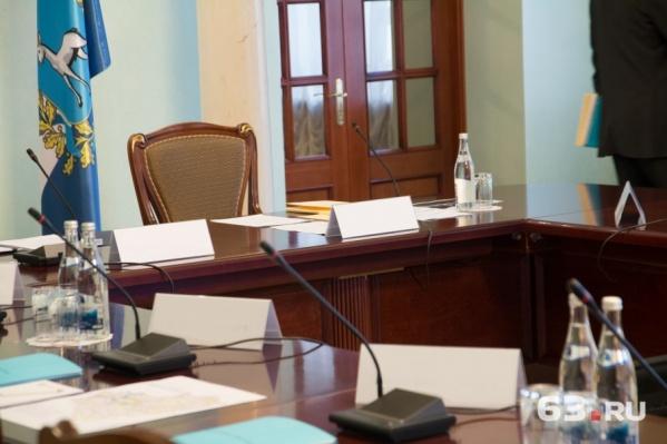 Кресло самарского градоначальника ждет своего хозяина с конца октября