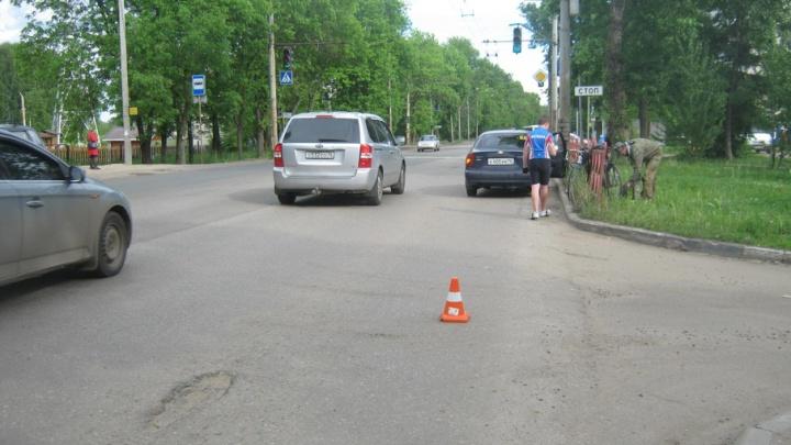 В Ярославле под колеса машины попал 14-летний мальчик на велосипеде