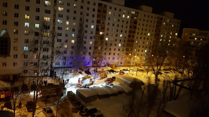 Жителей многоэтажки на Димитрова эвакуировали на улицу