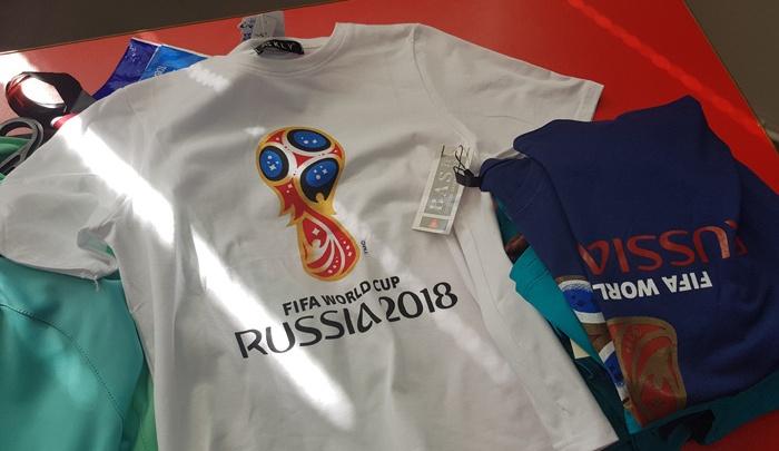 Поддельный чемпионат мира: ярославские таможенники забрали контрафактные футболки FIFA-2018