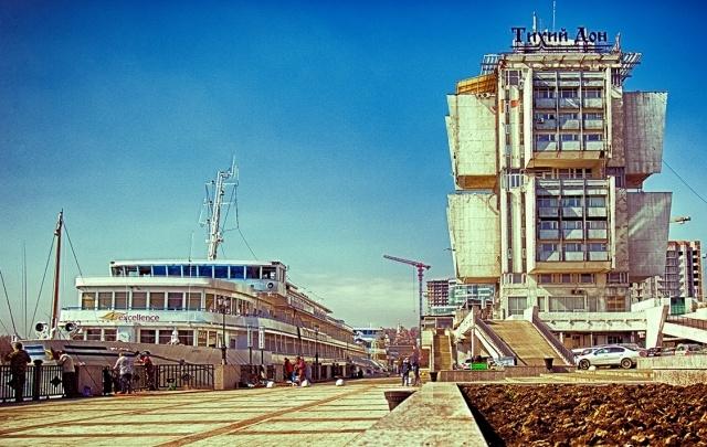 В Ростове на Береговой территорию возле супермаркета «Тихий Дон» выложат плиткой