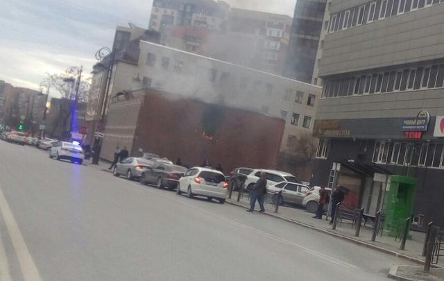 Улицу Первомайскую частично перекрыли из-за пожара