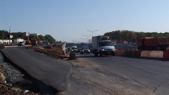 Подрядчик назвал сроки открытия развязки на пересечении Московского и Ракитовского шоссе
