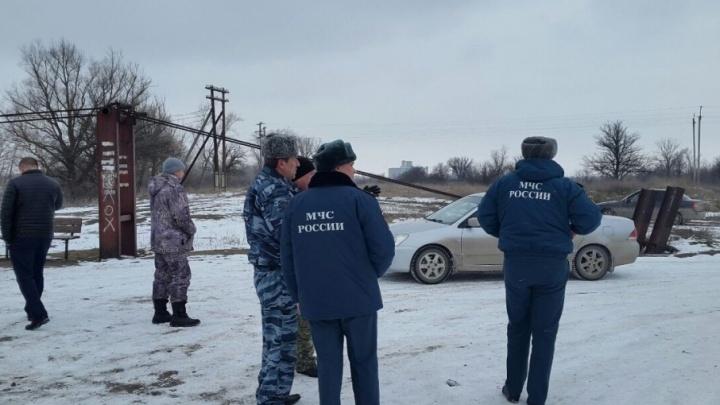 Водолазы приостановили поиски утонувшего в Суровикино мальчика