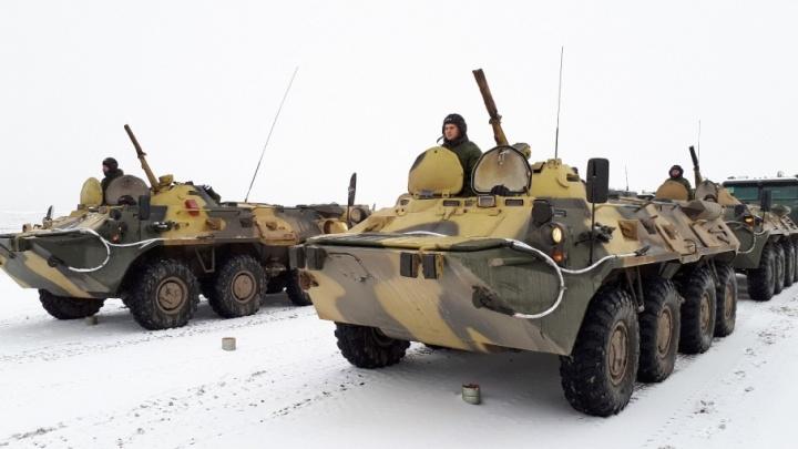 На аэродроме в Волгограде выстроились «Искандеры» и «Торнадо»