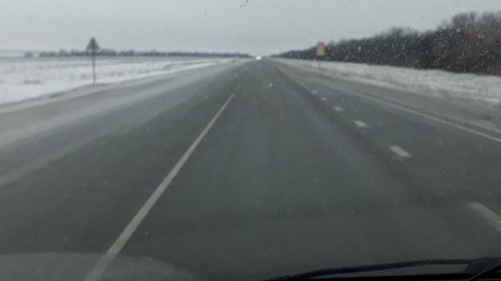 Трассы Волгоградской области обросли ледяной коркой