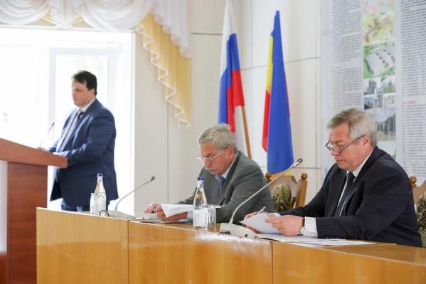 Донские власти пообщались с работниками шахтерских предприятий-банкротов в Гуково