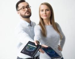 Недорогой смартфон и аккумулятор – главные летние покупки