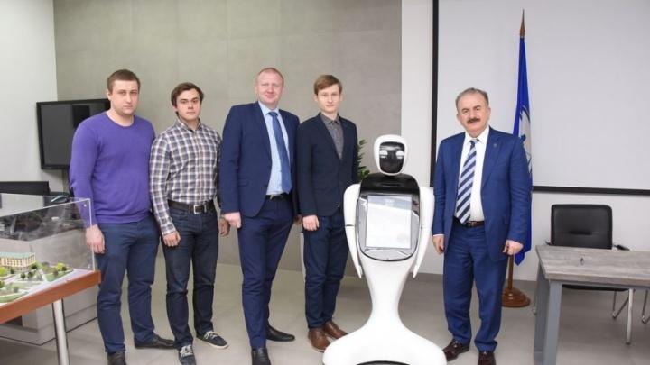 В Ростовском зоопарке билеты будет продавать робот, разработанный в ДГТУ