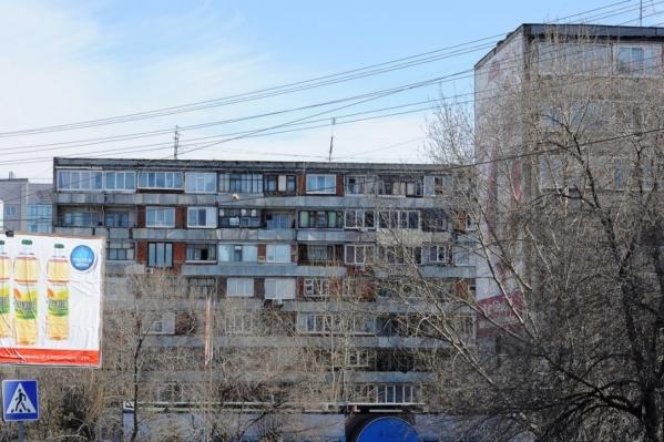 Квартиры в старых домах соперничают со строящимися многоэтажками экономкласса на окраинах за звание самого дешевого жилья