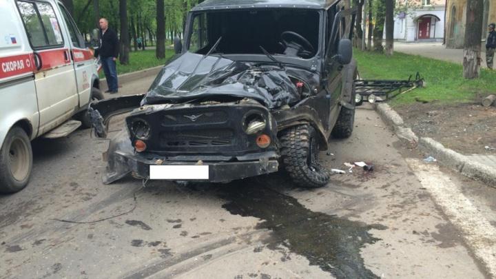 Пробил в автобусе дыру: пьяный 21-летний пермяк стал виновником ДТП с двумя пострадавшими