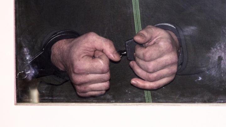 Действовал ради наживы: в Самаре обвиняемого в серии убийств пенсионерок отдали под суд
