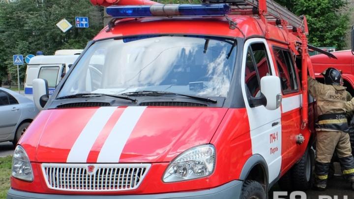 Неосторожное обращение с огнем: ночной пожар в Перми уничтожил две дачи