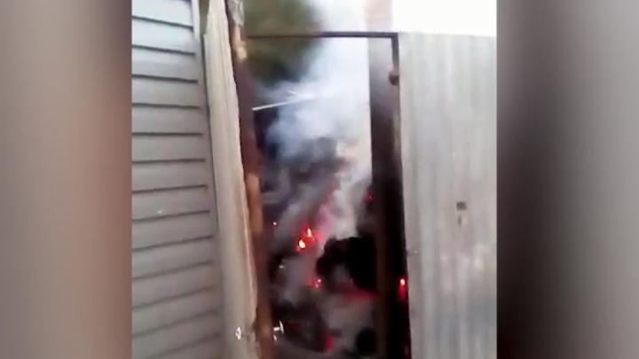 Пожар на складе картона в Копейске попал на видео