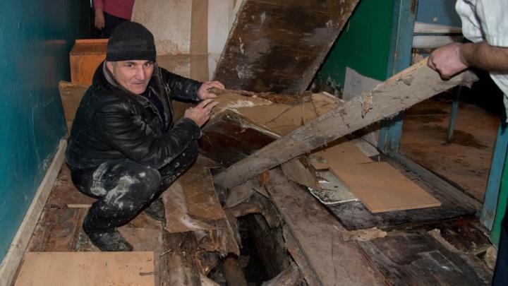 «Как крысы в подвале»: жители рухнувшего общежития в Волгограде не верят в лучшую жизнь