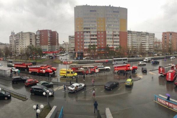 На Московский тракт по тревоге съехались представители всех экстренных служб