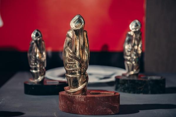 """Призы """"Флаэртианы"""" - красивые статуэтки - достанутся лучшим"""