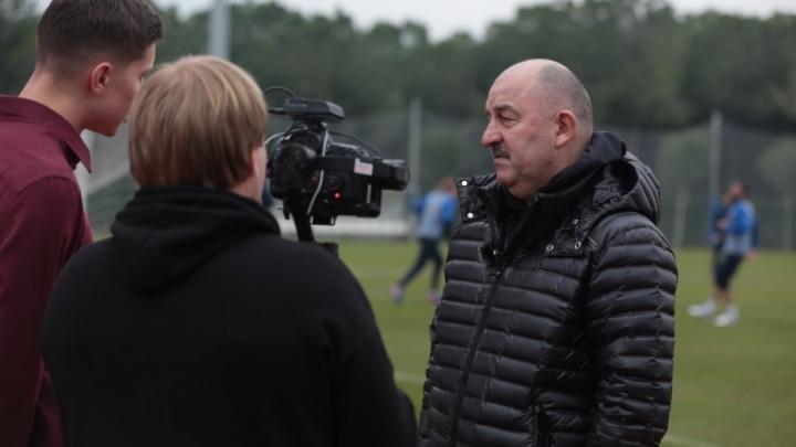 Главный тренер сборной России по футболу побывал на тренировке «Ростова»