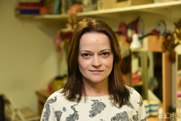 Василина Маковцева играет главные роли во многих спектаклях «Коляда-театра».