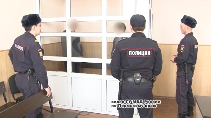 Прятали закладки за гаражами: в Перми банду наркоторговцев осудили за торговлю «синтетикой»