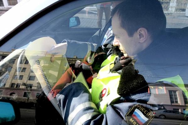 Инспекторы поймали обоих лишенников пьяными за рулем