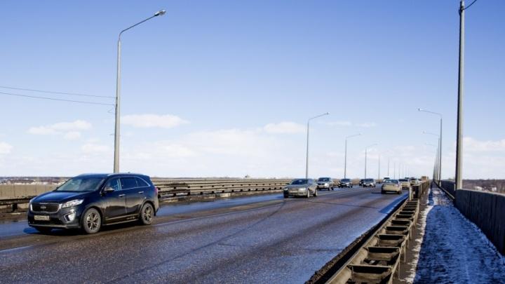 Октябрьский мост Ярославля покрылся ямами раньше гарантийного срока